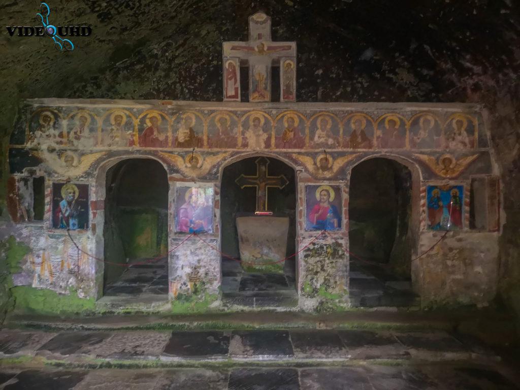 altar manastirea corbii de piatra